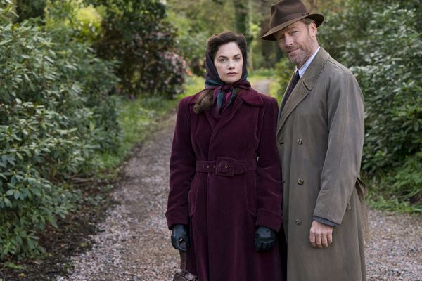 MRS WILSON_Ruth Wilson as Alison and Iain Glen as Alec ? Snowed-In Productions and all3media int (1).jpg